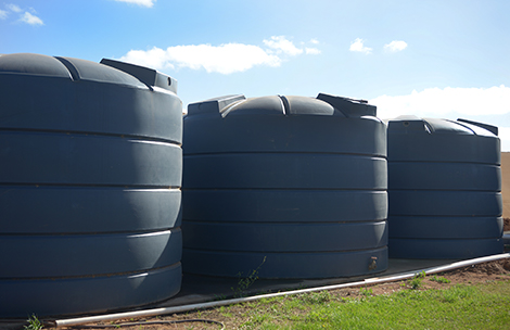 water-tanks-in-backyard